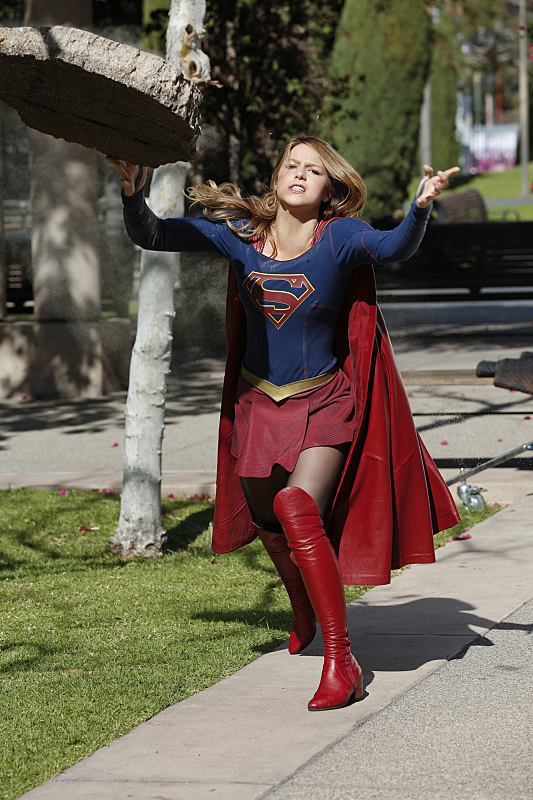 "Supergirl ""Worlds Finest"""