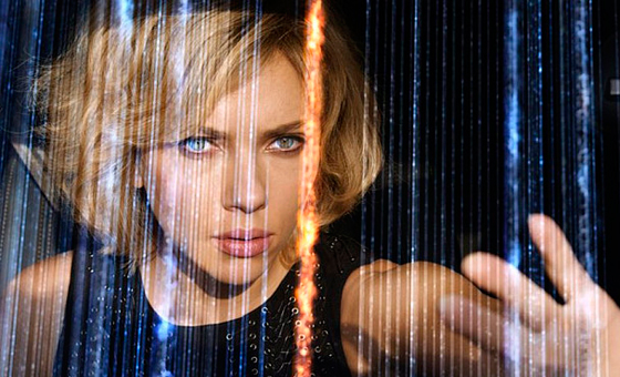 10 Sci-Fi Celebrities Left Handers You Didn't know - Scarlett Johansson